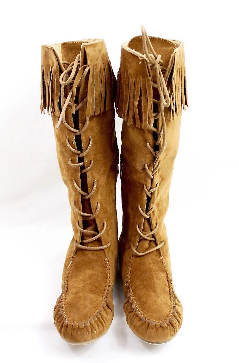 Bamboo Chestnut Circus-05 Fringe Moccasin Flat Boot-3280